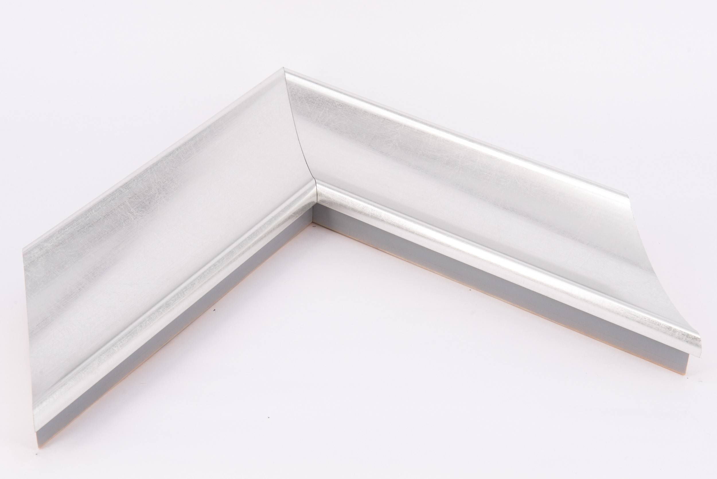 Large Silver Scoop Moulding